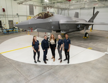 Air cadets meet the F35 – the next generation of aircraft