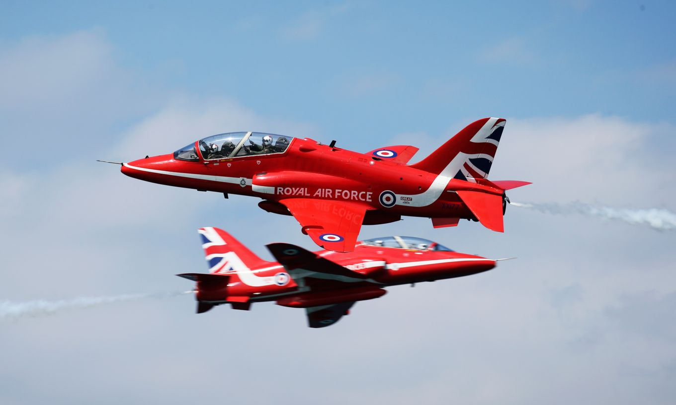 raf-red-arrows-hawk-t2