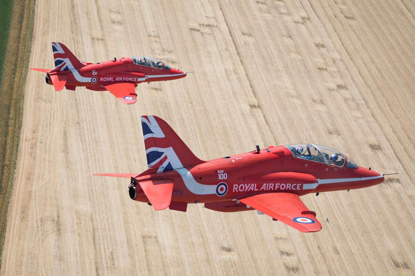 The Red Arrows use the BAE Systems Hawk T1.